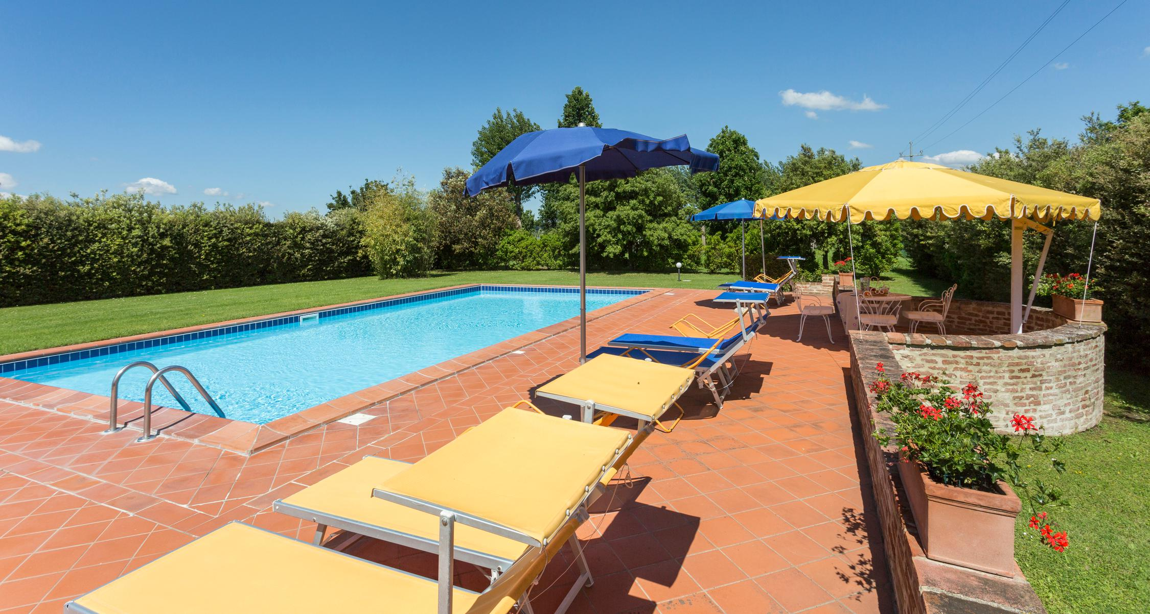 Farmhouse with swimming pool in Foiano della Chiana | Casa Carlotta
